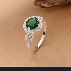 .925 Sterling Silver Emerald/Topaz Ring